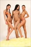 Vika - Maria - Kamilla - Three of a Kinds0ee4b6beo.jpg