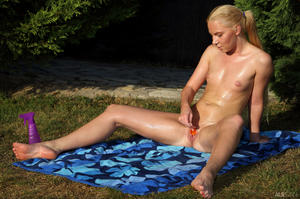 http://img240.imagevenue.com/loc8/th_713528992_tduid300163_ALS_Sweetener_Angie_Koks__Cayenne_medium_0148_123_8lo.jpg